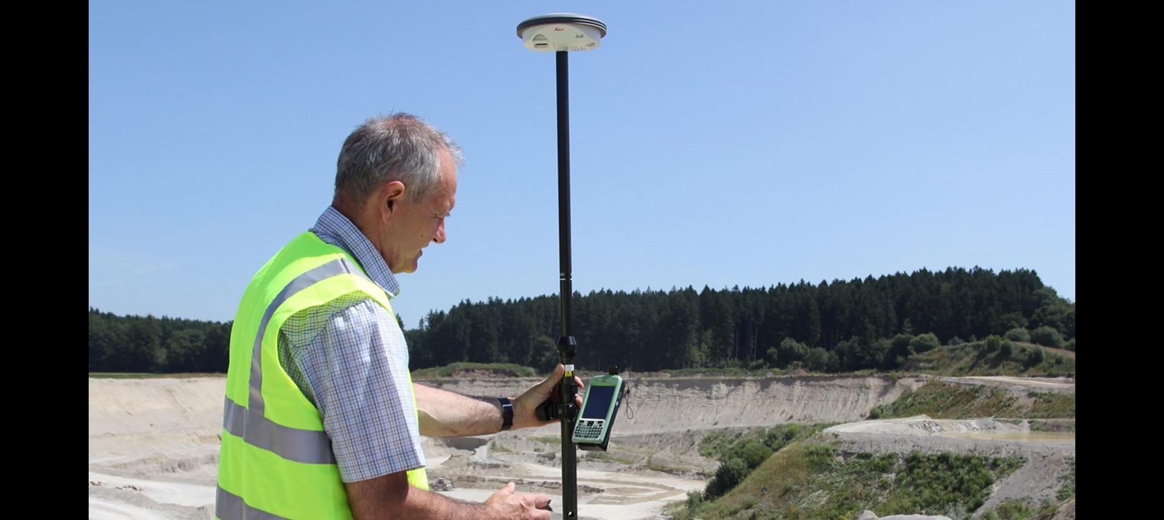 Leica Zeno GIS for the capture and management of Jordans electrical assets