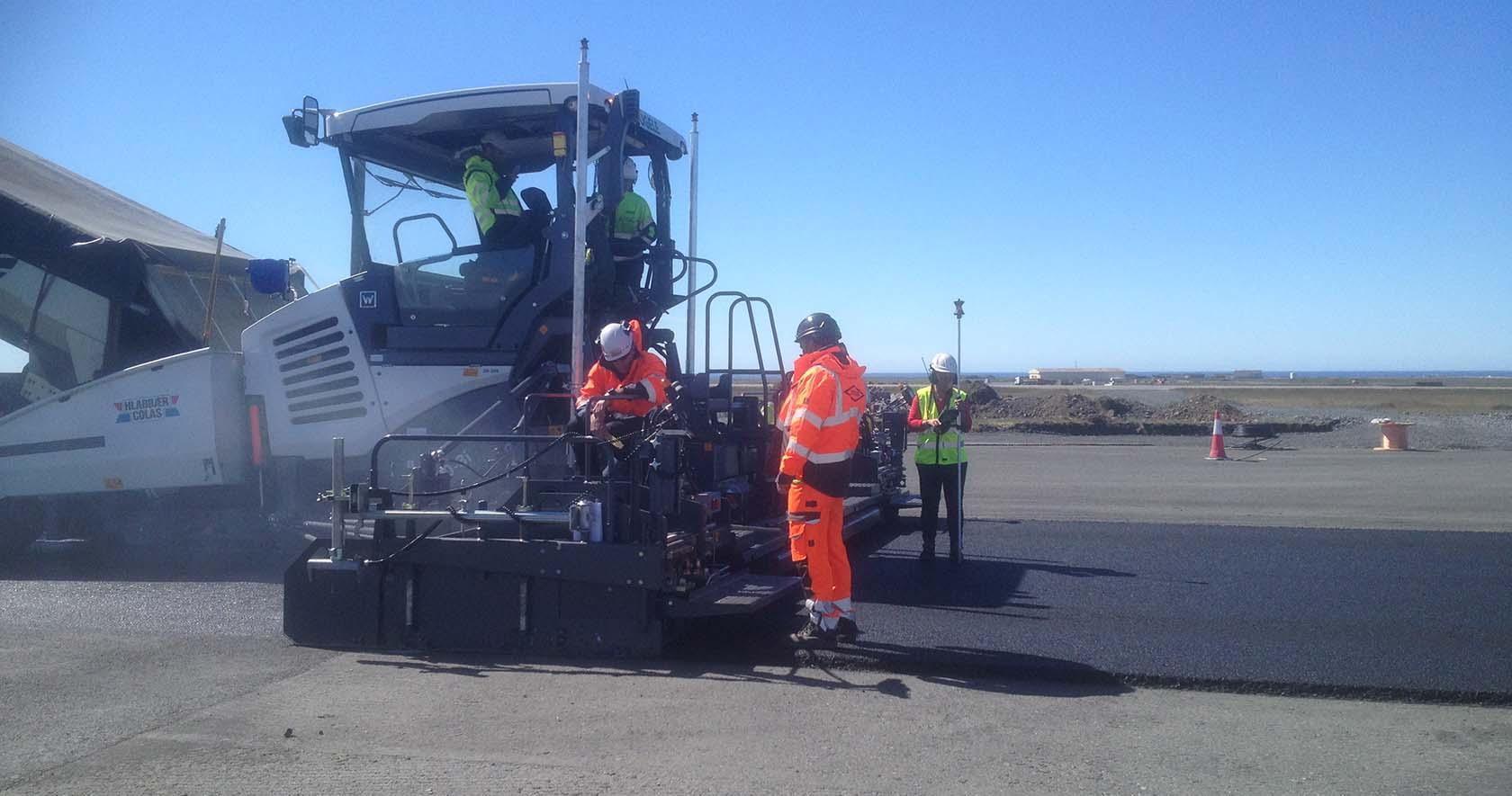 Airports Paving Finishing Compaction